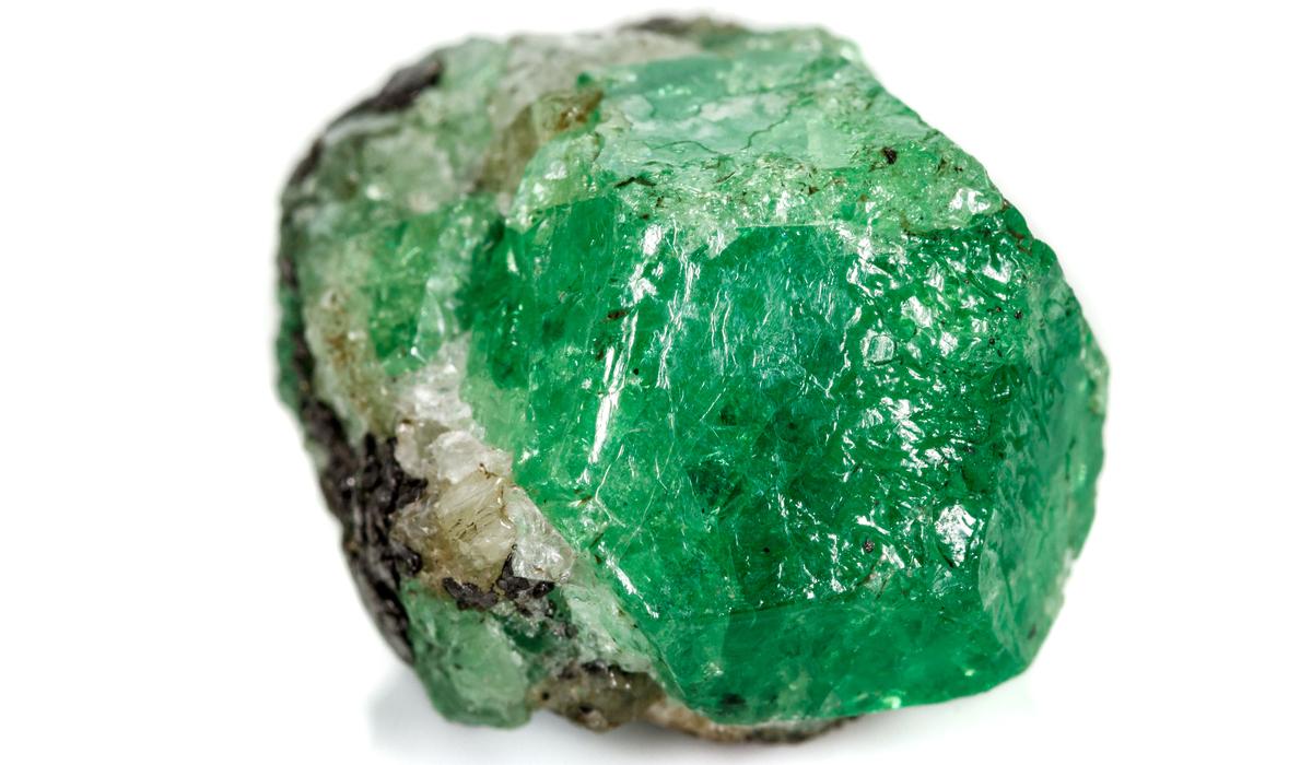 ウバロバイト 原石