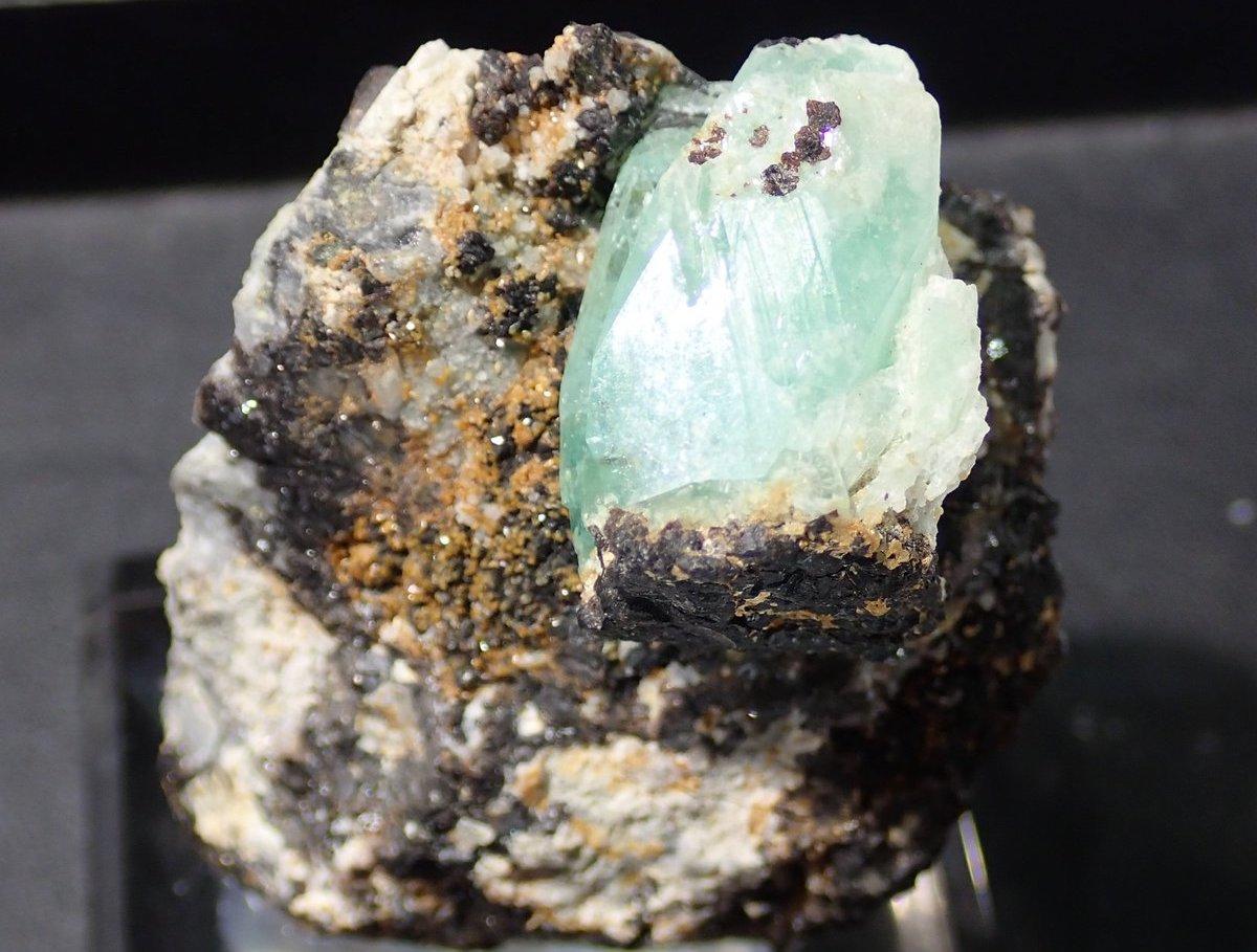フォスフォフィライト 原石