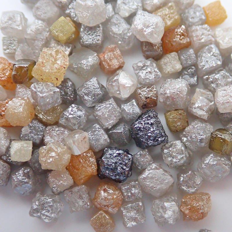 ダイヤモンド 原石 産地