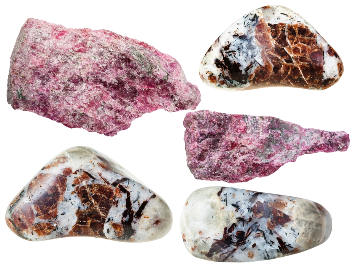 ユーディアライト 原石 種類