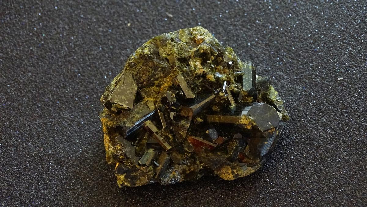 エピドート 原石