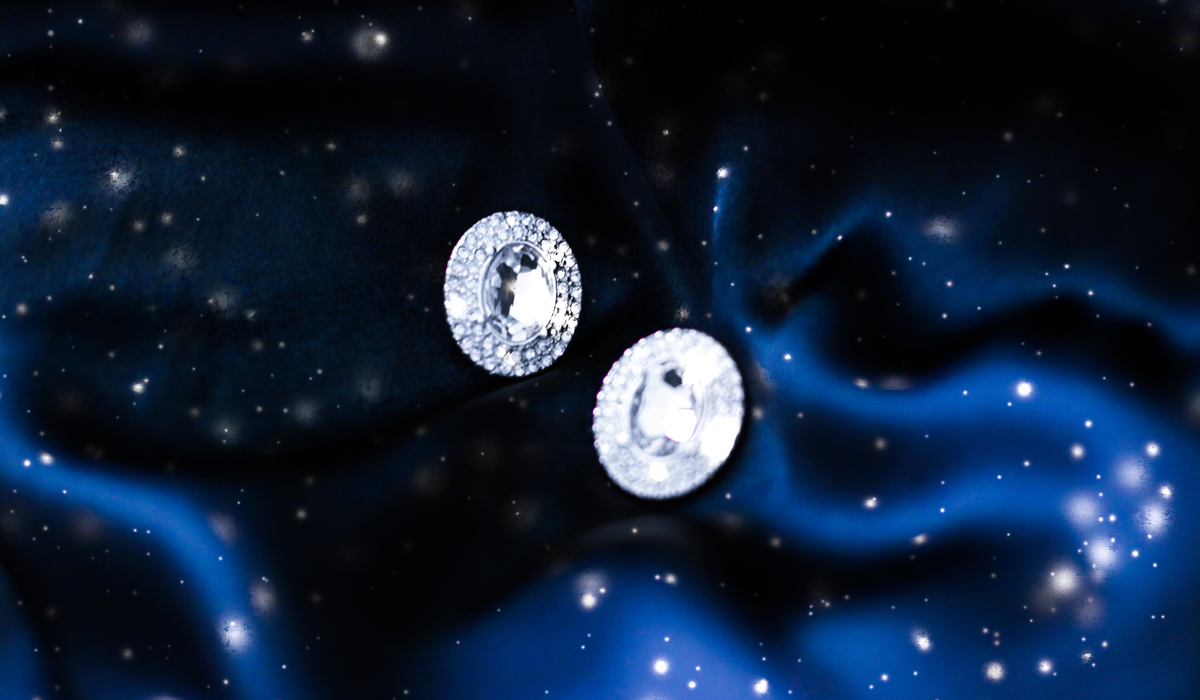 ダイヤモンド ピアス