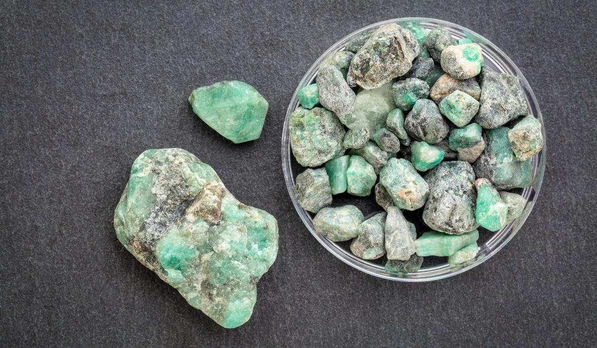 エメラルド 原石