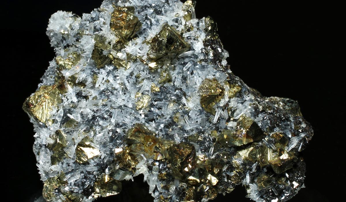 チャルコパイライト 原石