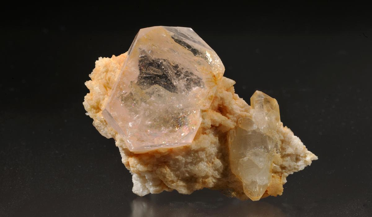 モルガナイト 原石