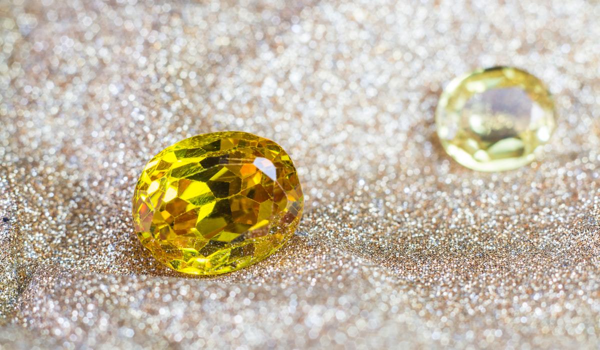 黄色 イエロー 宝石 ルース