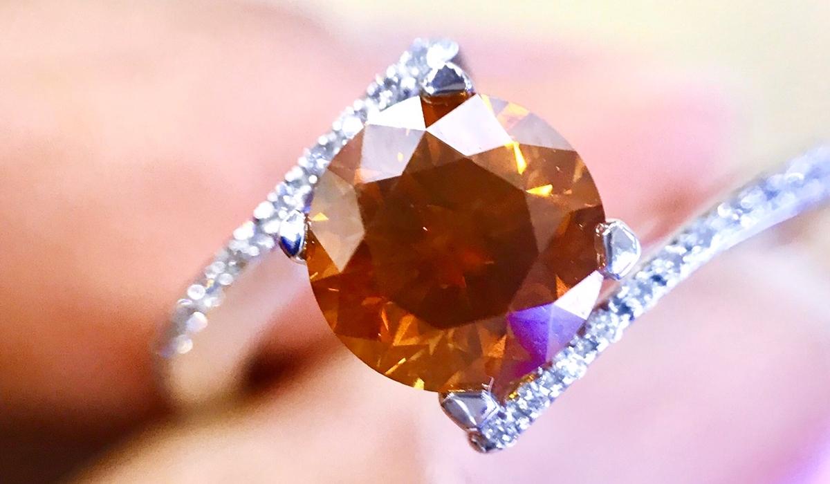 オレンジダイヤモンド リング