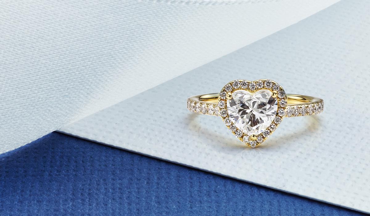ハートシェイプカット ダイヤモンド リング