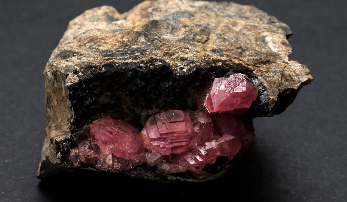 ロードクロサイト 原石