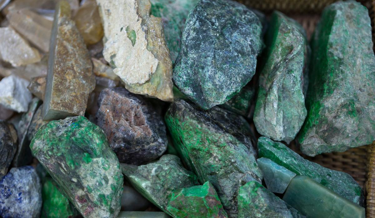 ジェード 原石