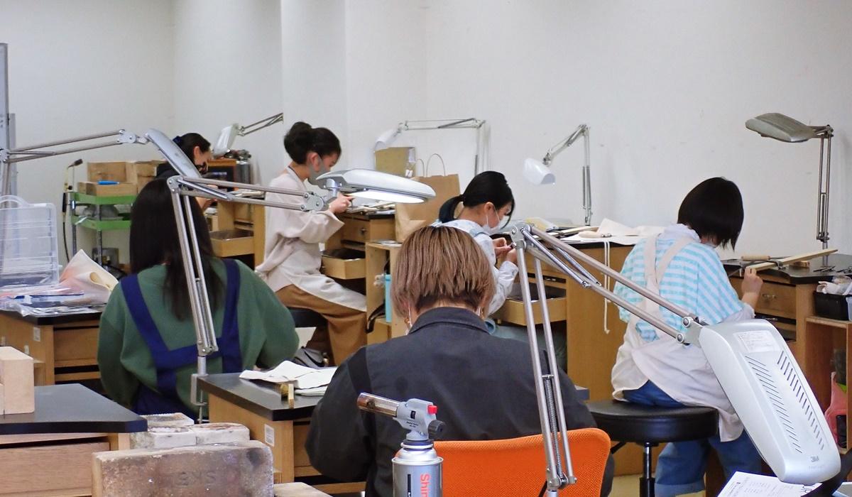 山梨県立宝石美術専門学校5