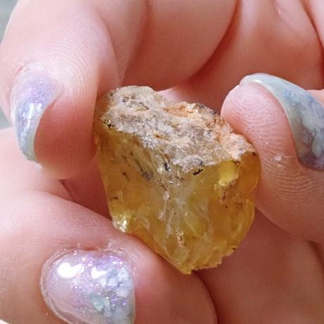 デンドリティックオパール 原石 削る前